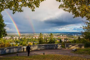 Utsiktsplatsen Billingen - Regnbåge över Skövde